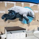Il graffito sulla facciata del teatro colosseo